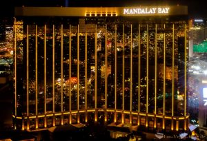Las_Vegas_Hotel_Mandalay_Bay_at_night_helicopter_view